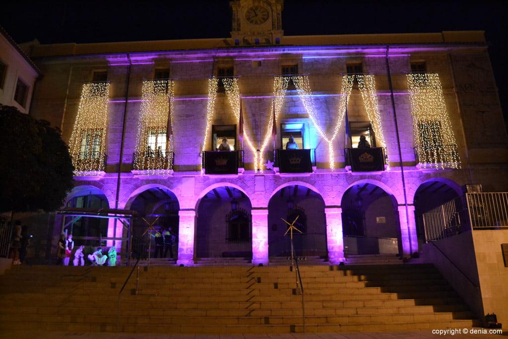 Cabalgata Reyes Magos 2015 – los reyes desde el Ayuntamiento