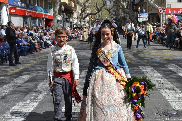 Ofrenda de flores Fallas de Dénia 2014 - Oeste - Joan Martí y Leyre Ivars