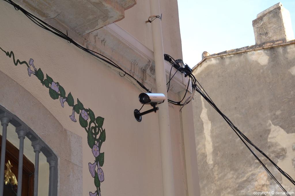 Un vecino de d nia instala c maras de seguridad en la - Camaras de vigilancia con grabacion ...
