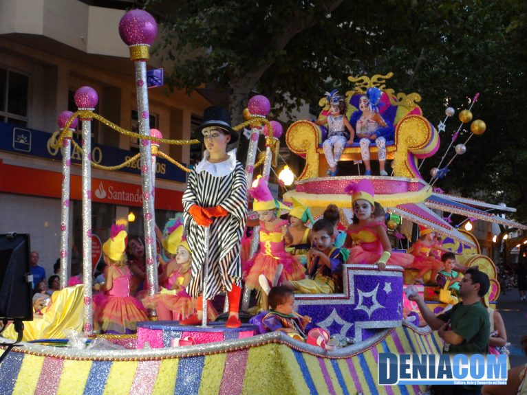 Carrozas 2011 - Carroza infantil de Baix la Mar - Primer Premio