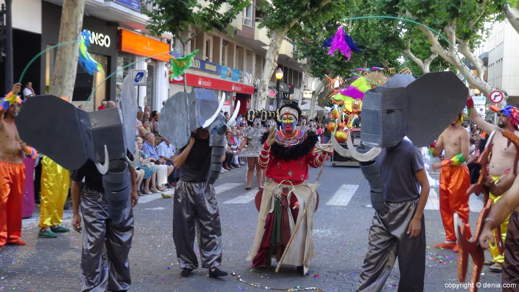 Carrosses Dénia 2015 - Comparsa Baix la Mar