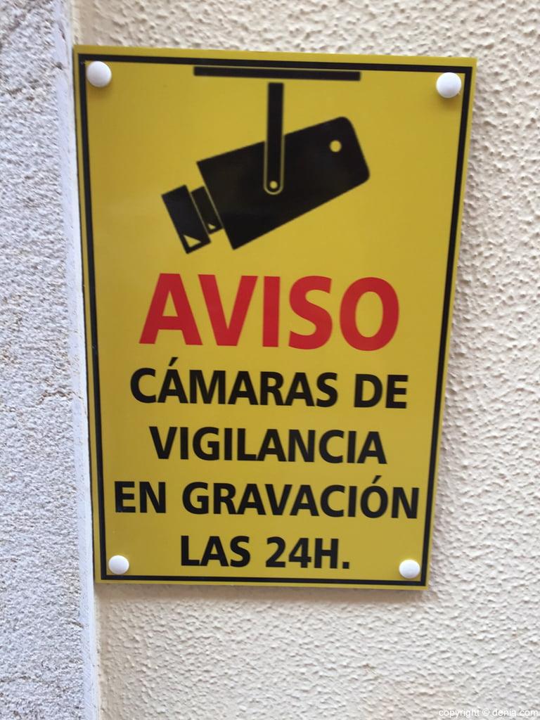 Cartel que avisa de las c maras de grabaci n en la calle - Camaras de vigilancia con grabacion ...