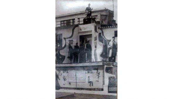 Imagen: Primer monumento de Baix la Mar