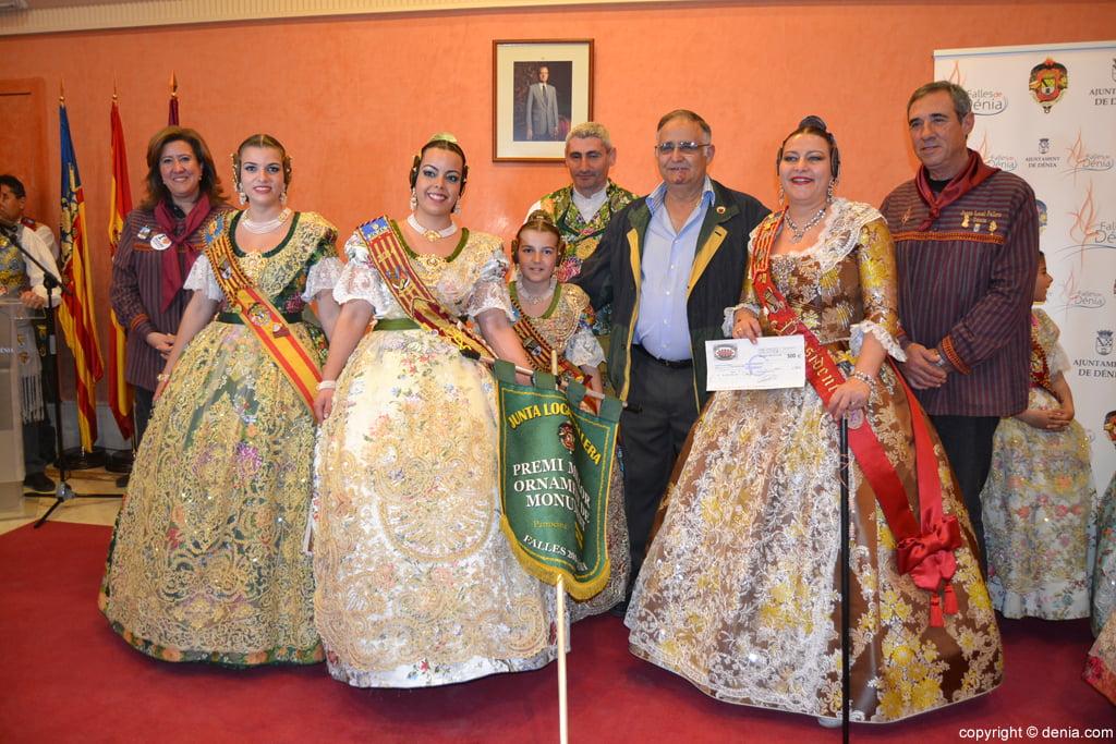 Premi a l'ornamentació del monument per a la Falla Darrere del castell