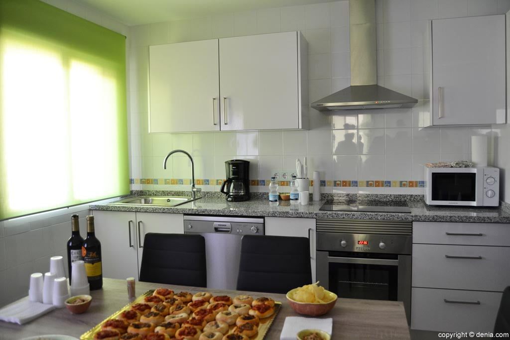 Cocina de la casa tutelada por aprosdeco d - Cocinas para casas ...