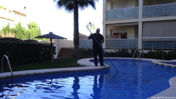 Seyma endoterapia vegetal d for Limpieza de piscinas