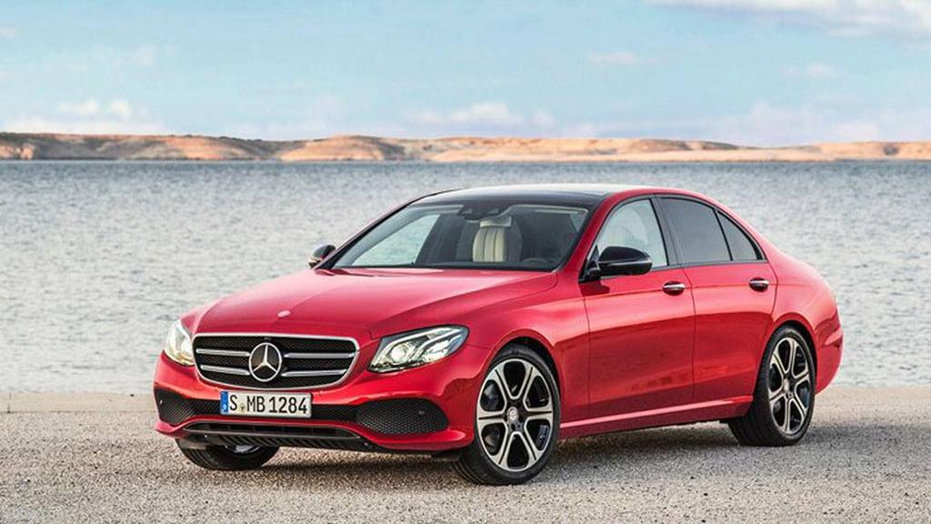 Mercedes rojo