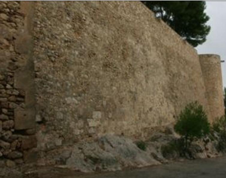 Muralla del castillo de Dénia