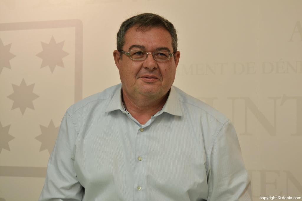 Paco Rosellu00f3 edil de Hacienda del ayuntamiento de Du00e9nia ...