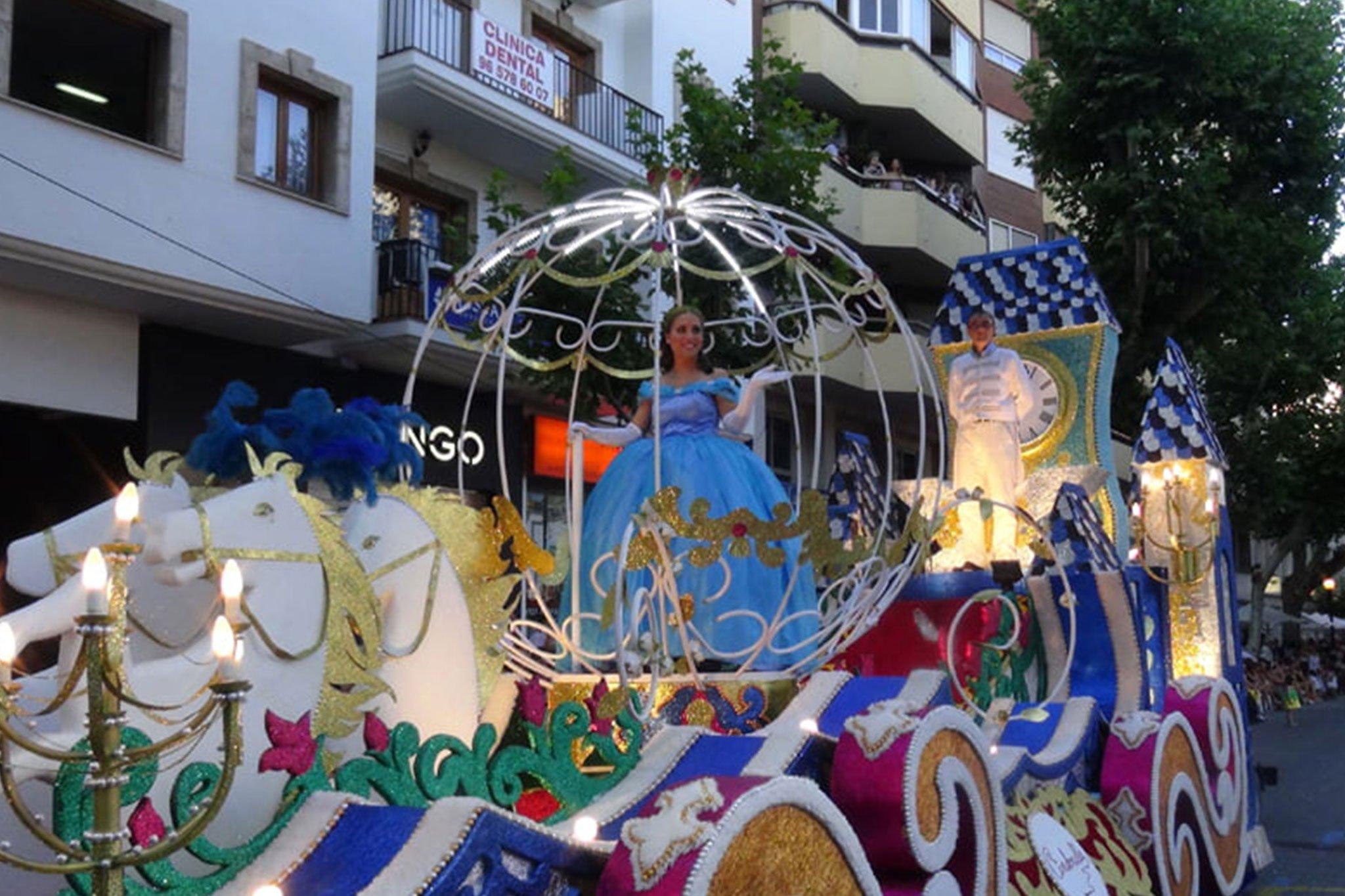Carrozas Dénia 2015 – Carroza de Les Roques