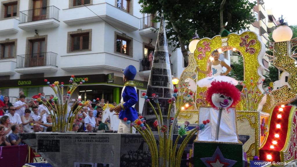 Carrozas Dénia 2015 – Carroza infantil París Pedrera
