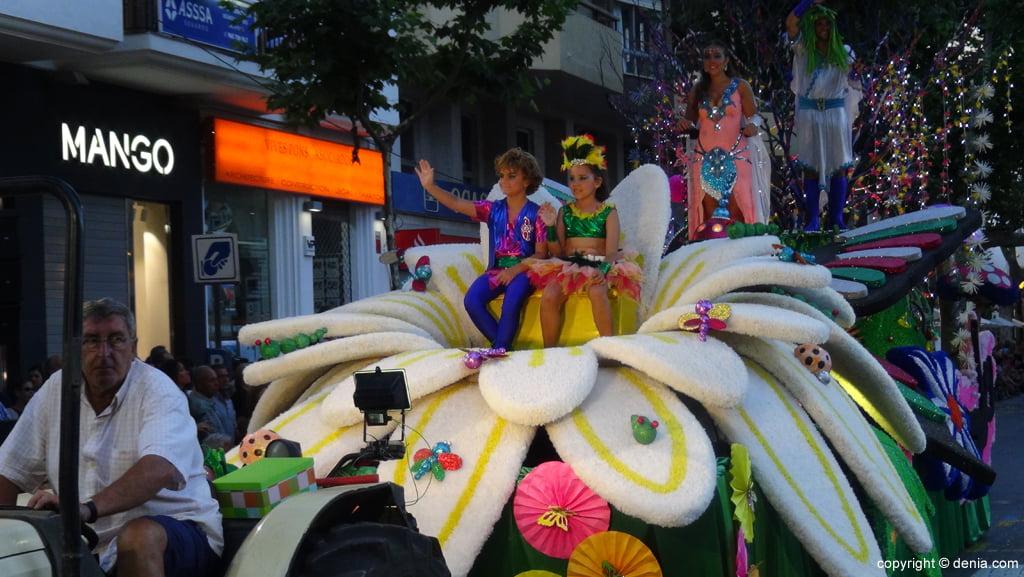 Carrozas Dénia 2015 – Carroza Falla Centro