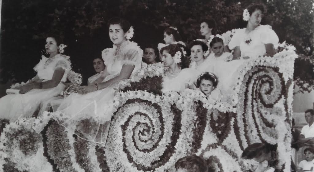 Carroza Falla Centro – Año 1954