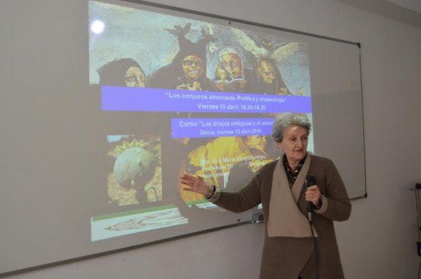 Curso sobre brujas en la UNED de Dénia