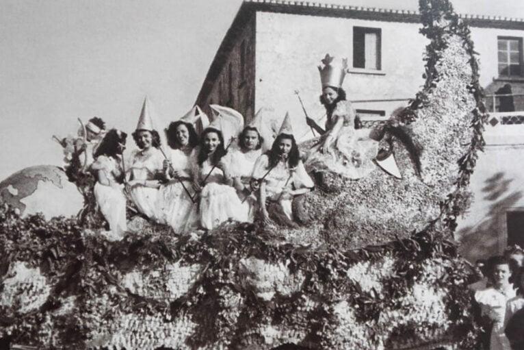 Primera carroza de la falla Les Roques - Año 1949