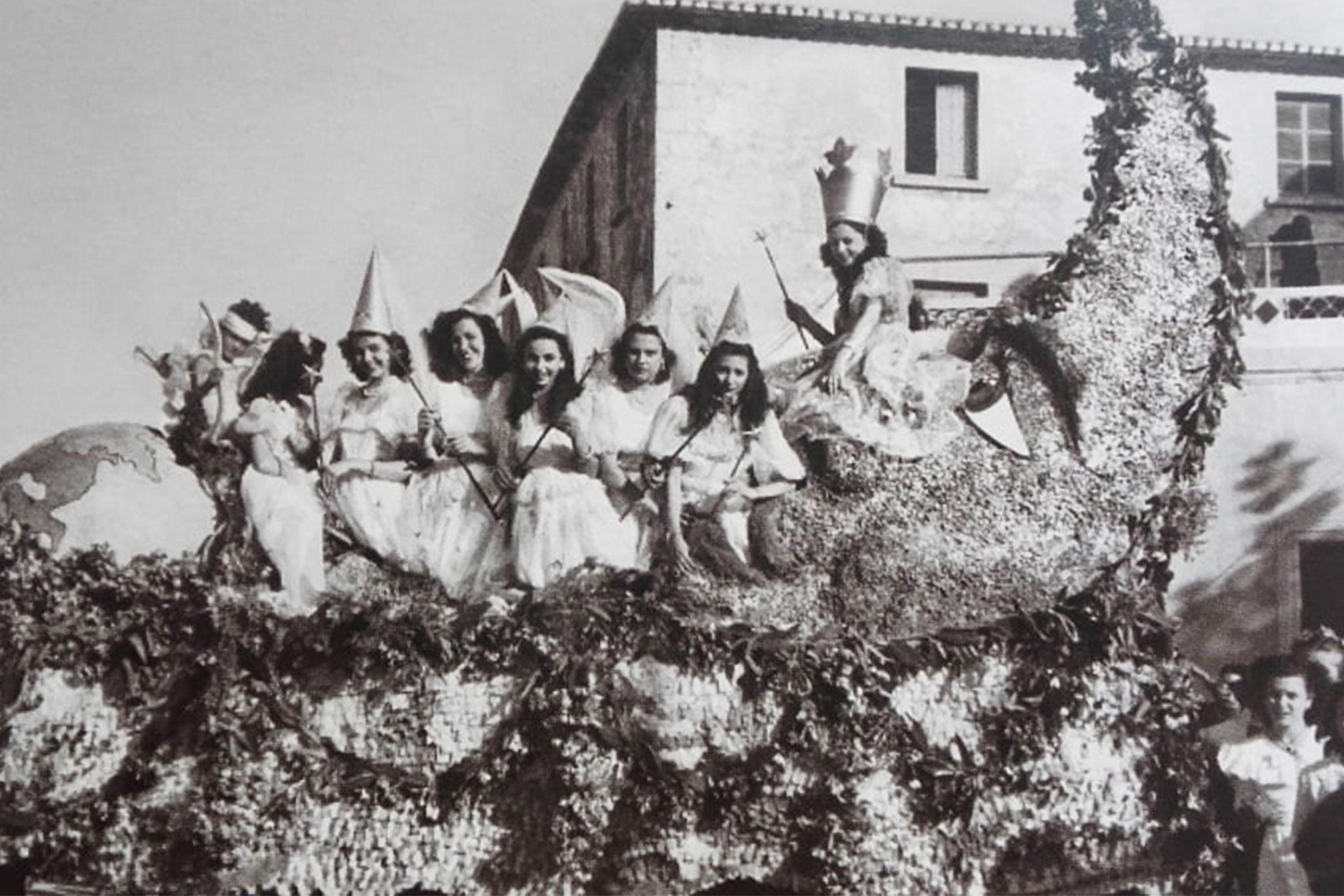 Primera carroza de la falla Les Roques – Año 1949