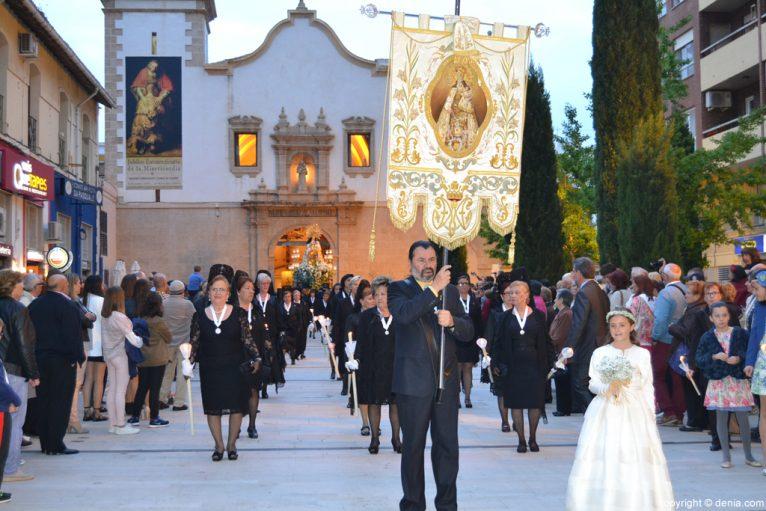 Procesión de la Mare de Déu dels Desemparats - Estandarte