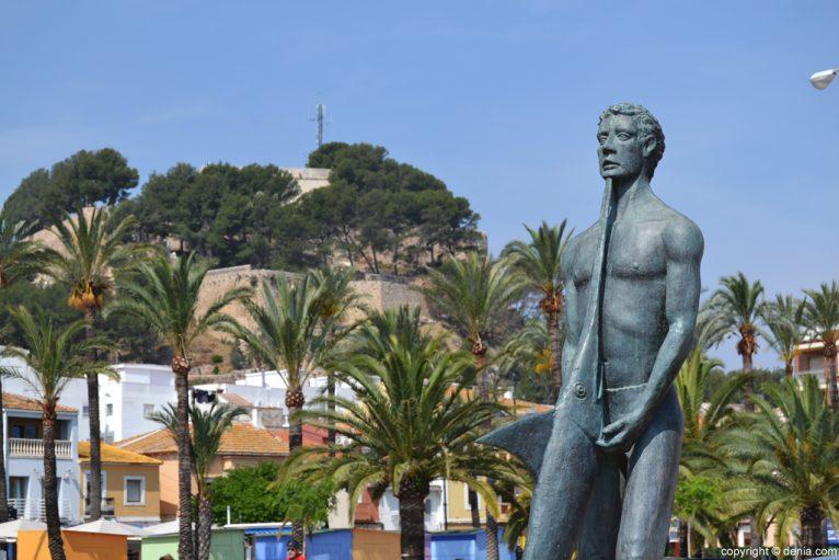 Puerto de Dénia - Monumento a los pescadores