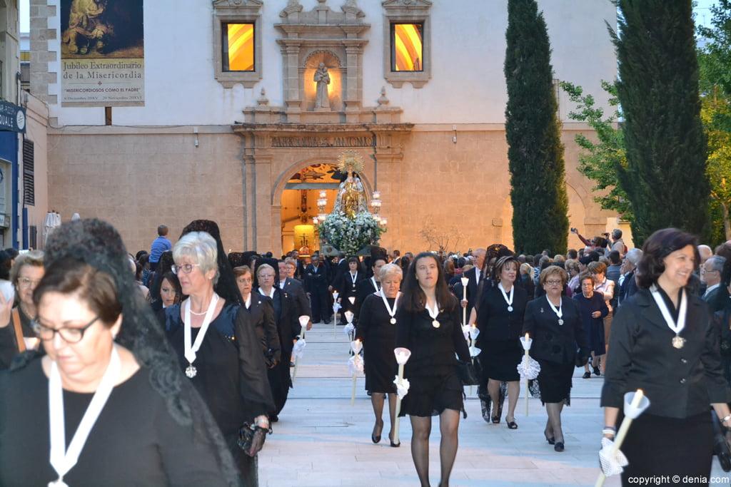 Procesión de la Mare de Déu dels Desemparats – Mayoralesas