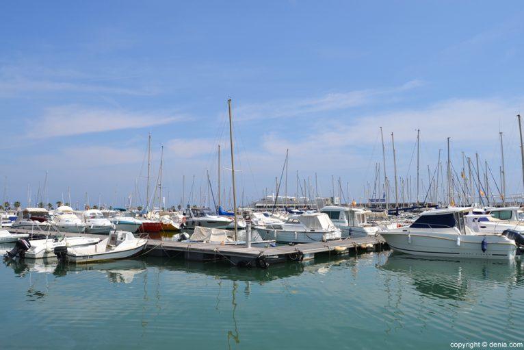 Puerto de Dénia - Barcos amarrados