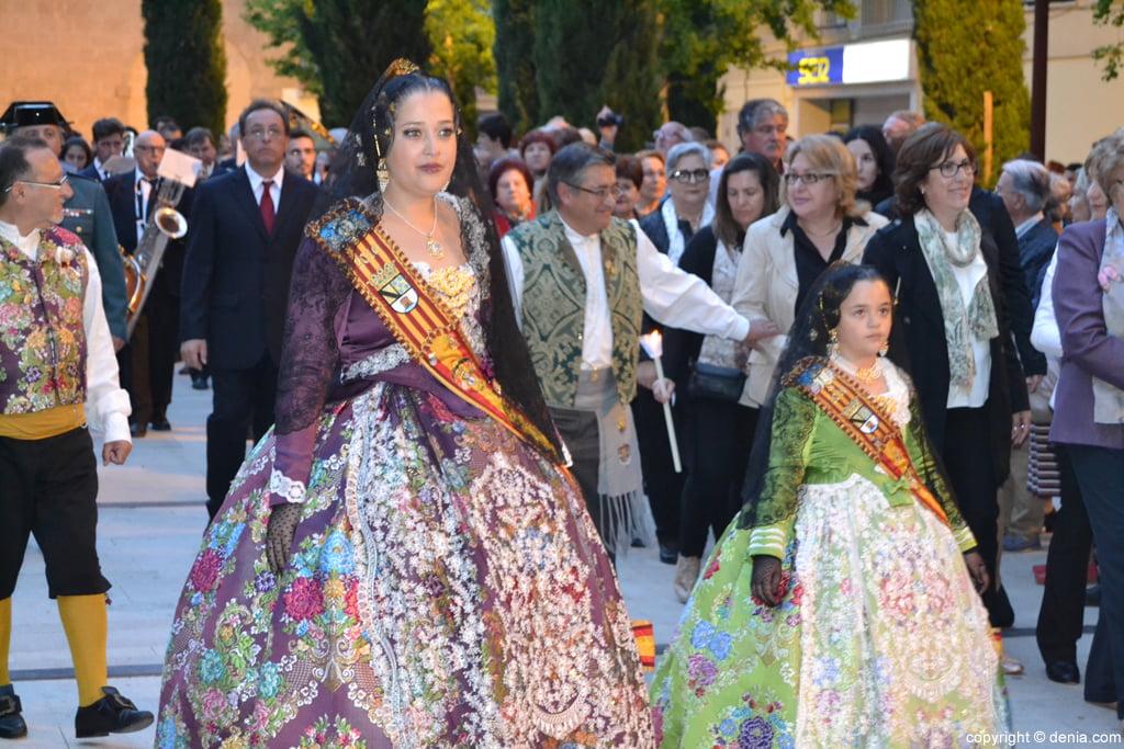 Procesión de la Mare de Déu dels Desemparats – Falleras Mayores de Dénia