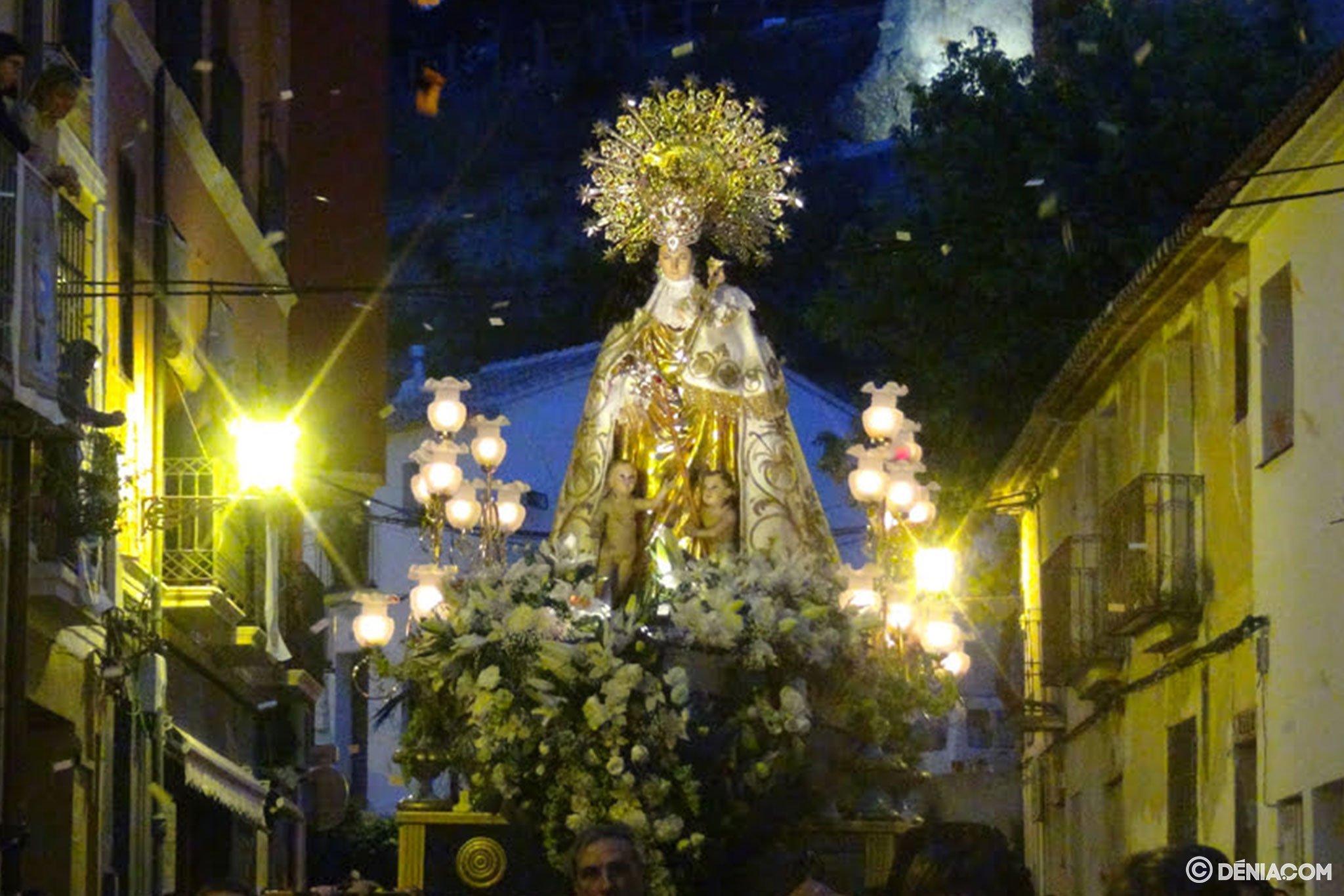 Procesión de la Mare de Déu dels Desemparats – Calle Pont