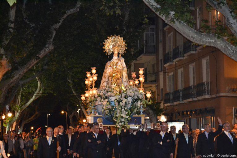 Procesión de la Mare de Déu dels Desemparats - la imagen en la calle Marqués de Campo