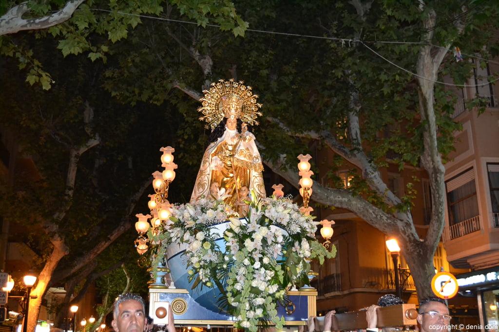 Procesión de la Mare de Déu dels Desemparats – la imagen en la calle Marqués de Campo