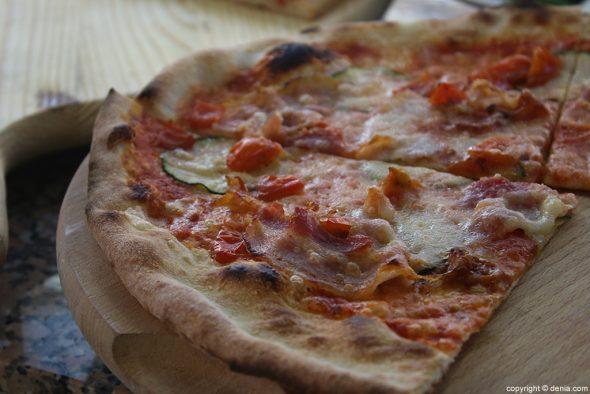 Porción pizza Pizzería Senza Nome