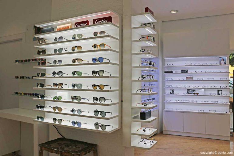 Optician glasses selection Benjamin