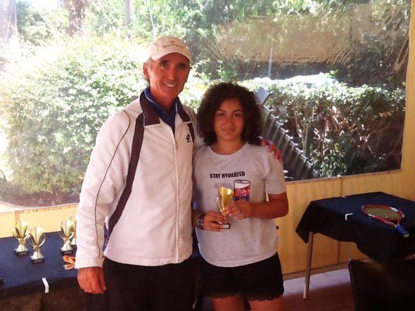 Roberto Redondo con una de las ganadoras