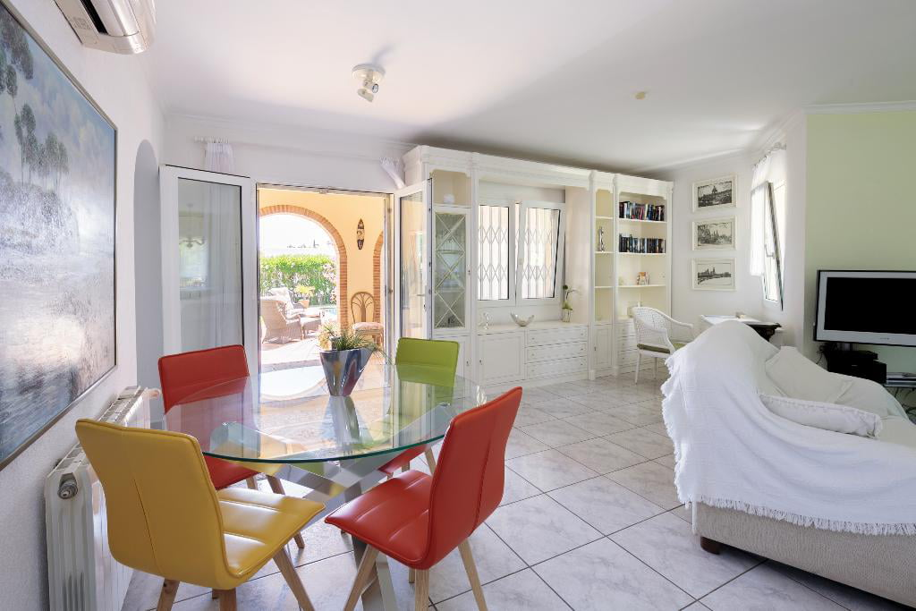 Ampli saló de la Casa Kaba Quality Rent a Vila