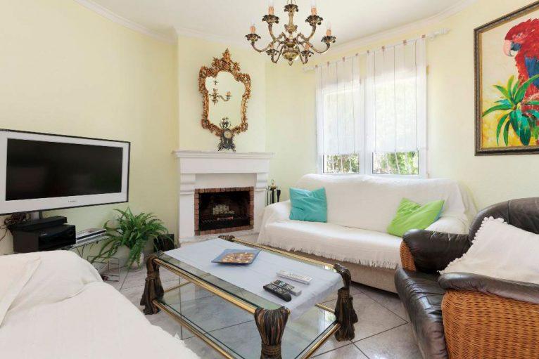 Xemeneia de la Casa Kaba Quality Rent a Vila