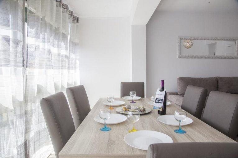 Menjador apartament Quality Rent a Vila