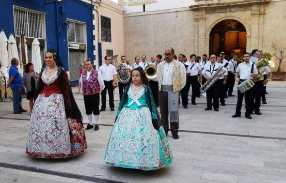 Falleras Mayores de Dénia en la procesión del Corpus