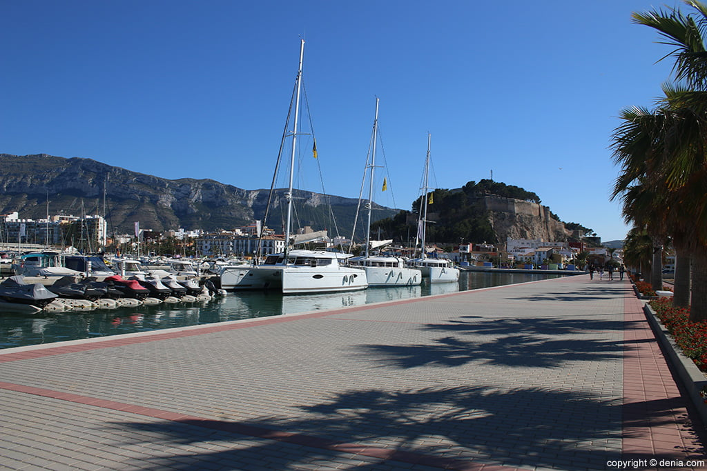 Passeig Marina El Portet