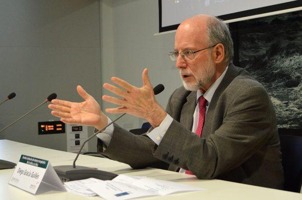 Profesor Diego Gracia en el Hospital de Dénia
