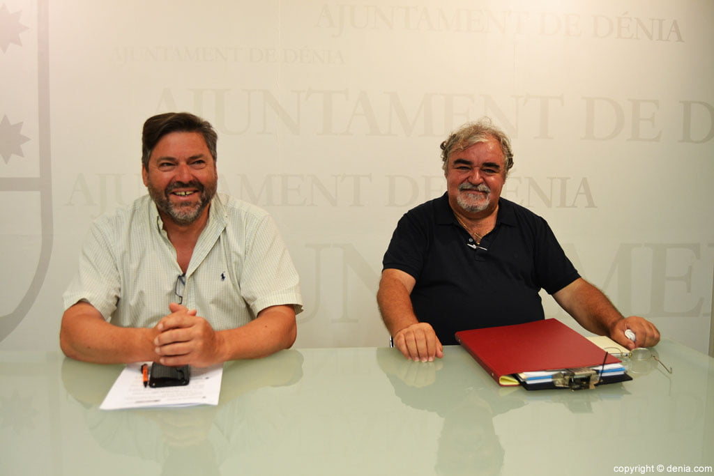 Rafa Josep Gisbert Carrio and presented the lecture series on the war in Dénia