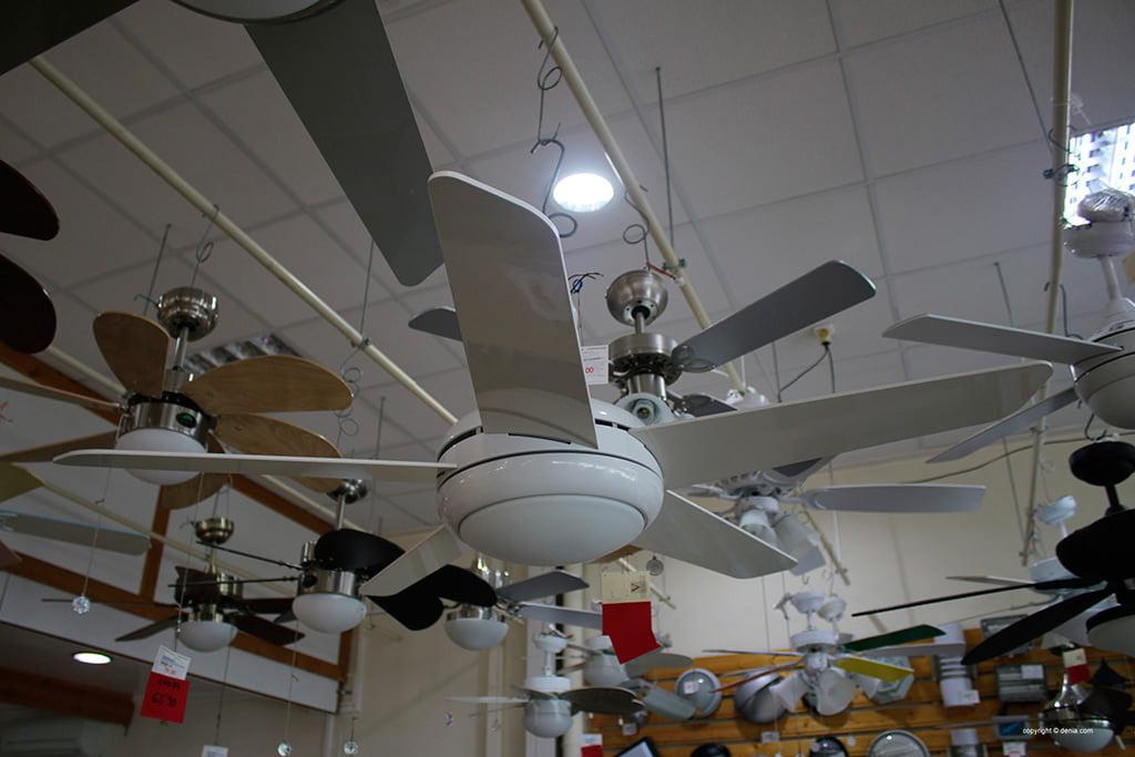 Ceiling fan in white from Vimaluz