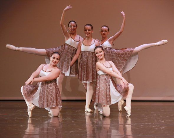 Alumnas de la Escuela de Danza de MªÁngeles Signes