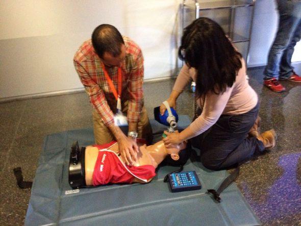 Curso de parada cardiorrespiratoria en el Hospital de Dénia
