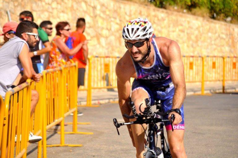 Gonzalo Durá en el segmento de bici