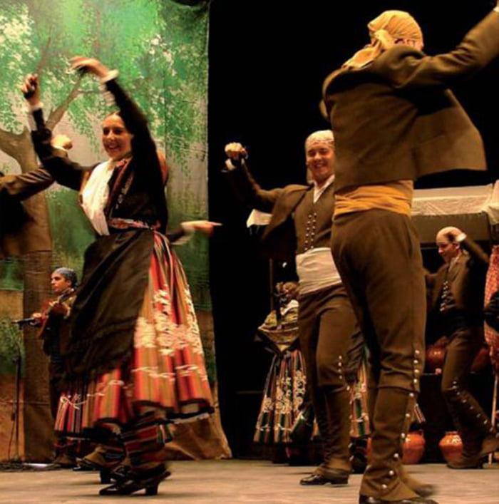 Agrupación  Fuente Agria durante una actuación