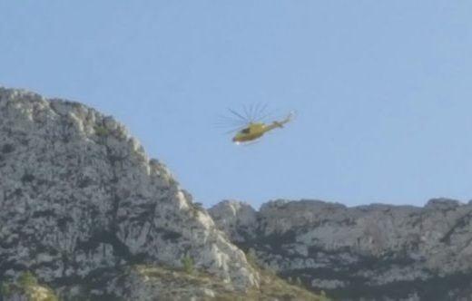 Helicóptero en el rescate de dos hombre en el Montgó