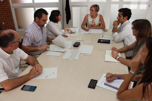 Salvador con Angel García y tecnicos en Dénia