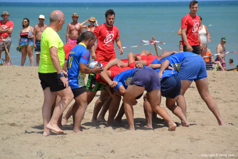 A scrum in Rugby clash Dénia