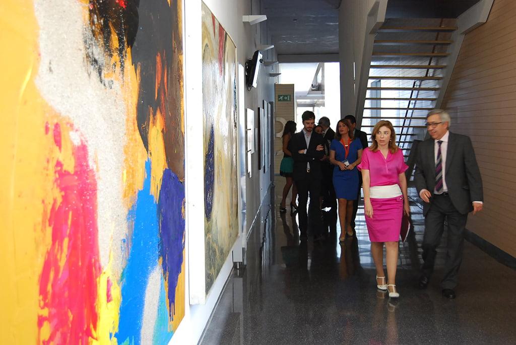 Visita a la sala CuidArt del Hospital de Dénia durante la segunda edición del Congreso de Arte y Salud