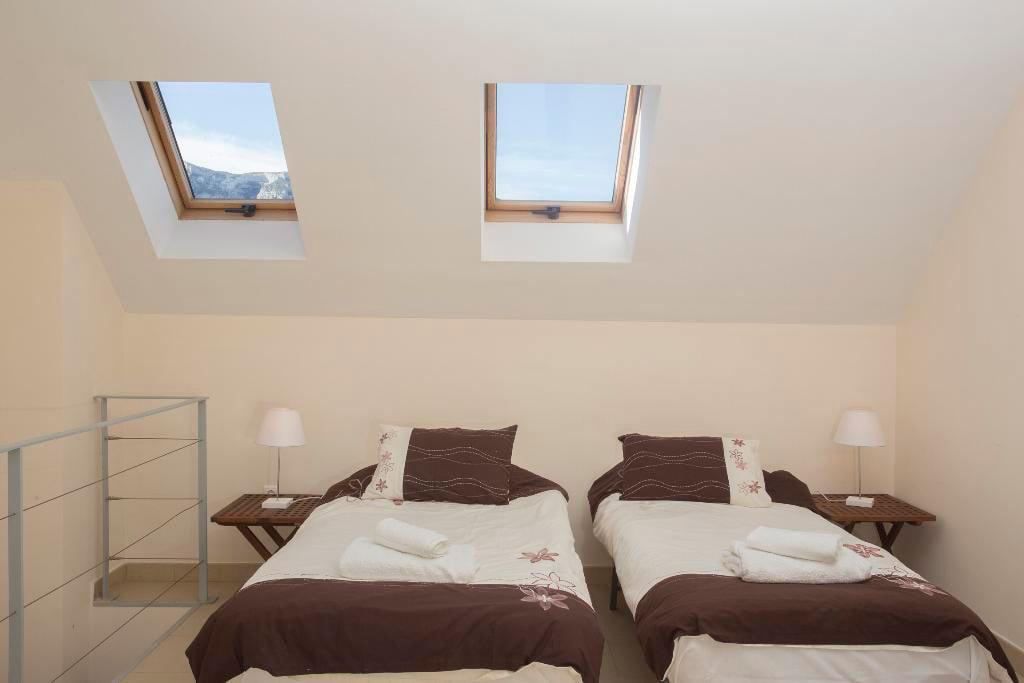 Dormitorio dos camas quality rent a villa d - Dormitorio dos camas ...