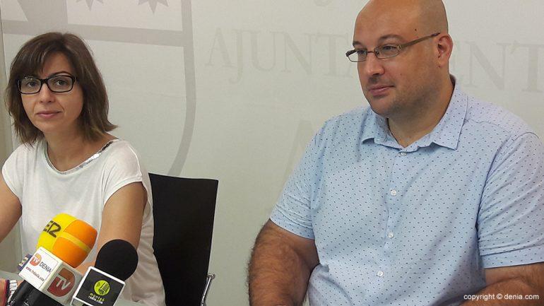 Maria Josep Ripoll and Josep Crespo talking about sewage works Montgo