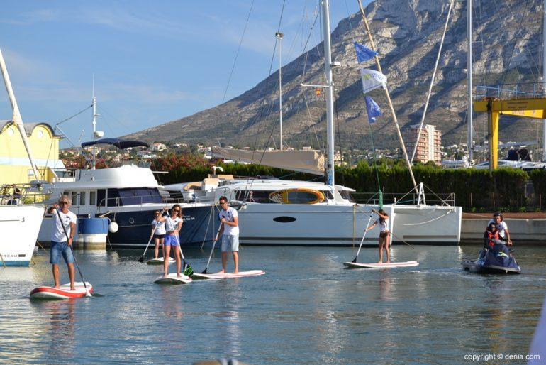 Practicando Paddle Surf en Marina de Dénia